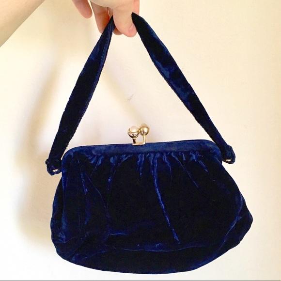 e44a79ef8eb07 Vintage ~1950s blue velvet purse. M 5a7b647546aa7cc91d7d4f99